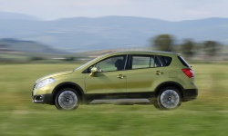 SX4 S-CROSS (17)_nasl