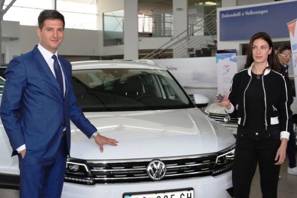 Milan Lazić, direktor marke VW i Ivana Španović